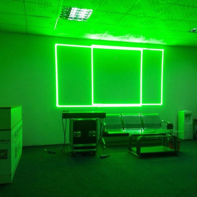 Click image for larger version.  Name:10 green light show.jpg Views:20 Size:1.83 MB ID:47430