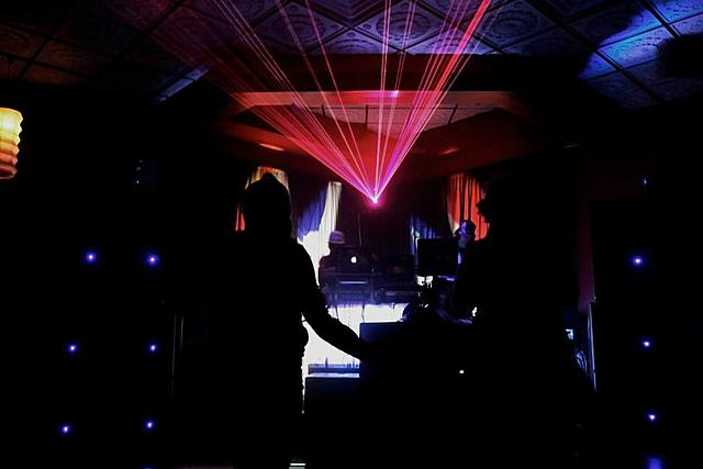 Click image for larger version.  Name:my laser 2 NOV 2010 NOIZE party.jpg Views:11 Size:35.2 KB ID:22321