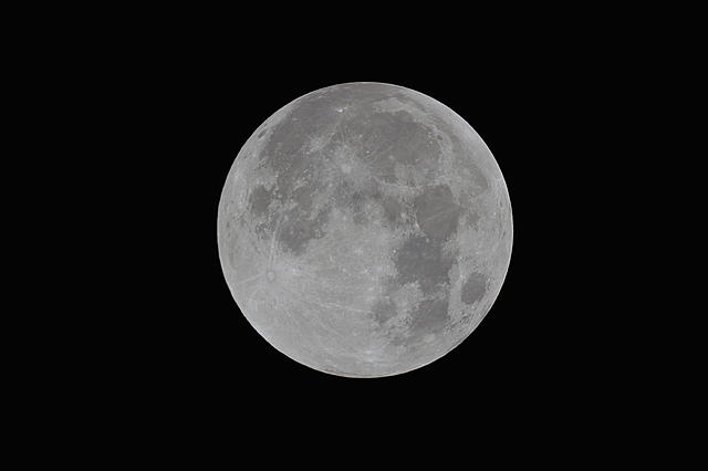 Click image for larger version.  Name:Moon01.jpg Views:14 Size:403.1 KB ID:44970