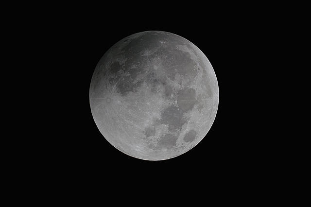 Click image for larger version.  Name:moon02.jpg Views:10 Size:403.3 KB ID:44971