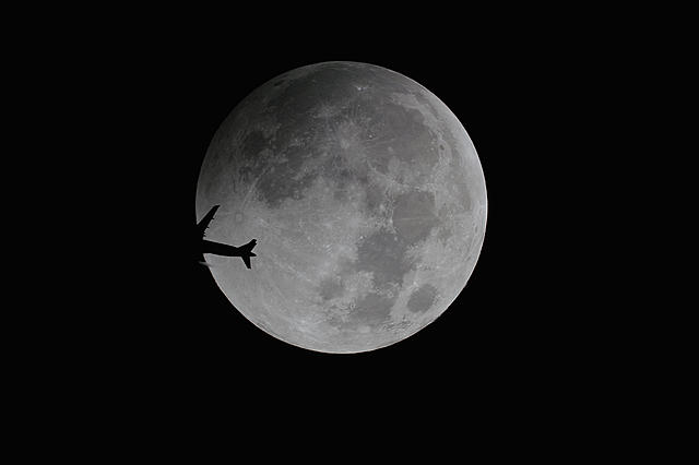 Click image for larger version.  Name:moon03.jpg Views:16 Size:400.0 KB ID:44972