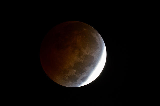 Click image for larger version.  Name:moon05.jpg Views:12 Size:481.5 KB ID:44974