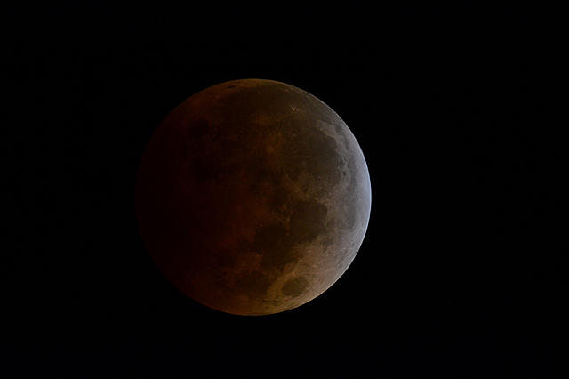 Click image for larger version.  Name:moon07.jpg Views:14 Size:737.7 KB ID:44976