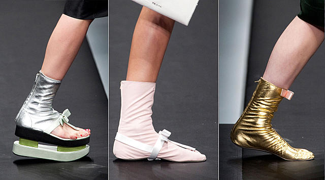 Click image for larger version.  Name:more-Prada-toe-sock-shoes.jpg Views:14 Size:189.4 KB ID:48279